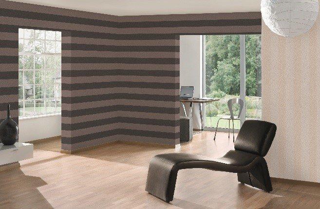 die raumwirkung mit tapete gekonnt beeinflussen. Black Bedroom Furniture Sets. Home Design Ideas