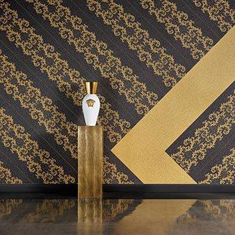 Versace Tapete mit Ornamenten